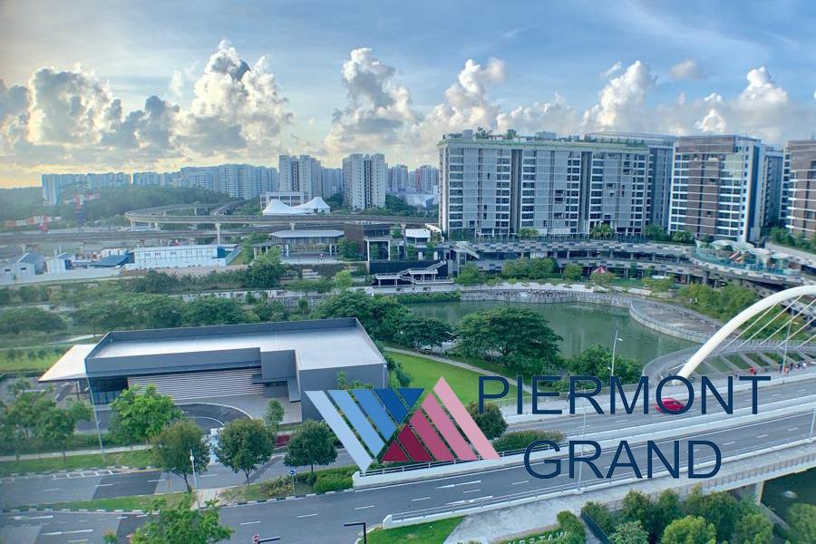 Piermont grand ec  show flat